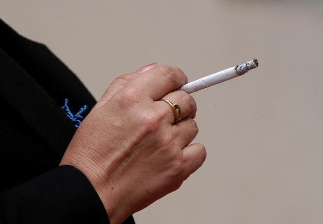 التدخين يؤدي العمى دراسة تؤكد