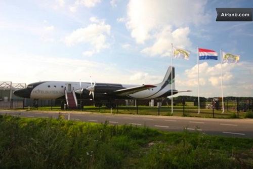 Jet-plane-hotel-Ilyushin-18-Hotel-Honecker-Ben-Thijssen-03