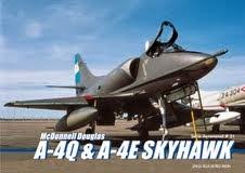 """Serie Aeronaval  n°31<br> """"McDonnell Douglas A-4Q &amp; A-4E Skyhawk"""""""