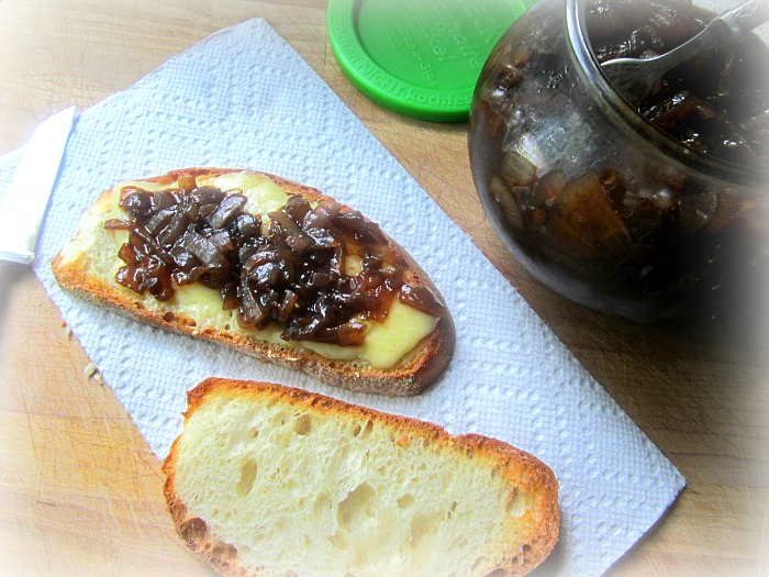 Stacey Snacks: When Life Gives you Onions, make ONION JAM!