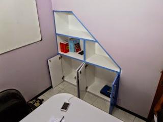 lemari file bawah tangga kantor semarang 01