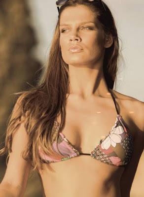 moda sidecar verano mujer. bikini mujer