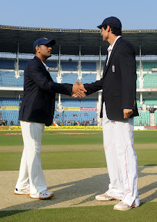 MS-Dhoni-A-Cook-IND-V-ENG-4th-TEST-DAY-1