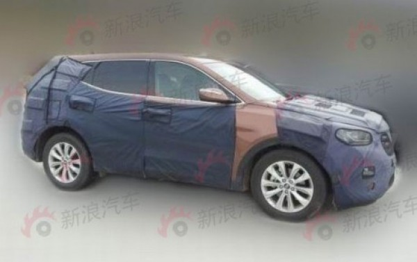 A prototype of Hyundai ix45/Santa Fe 2014 Seen in China