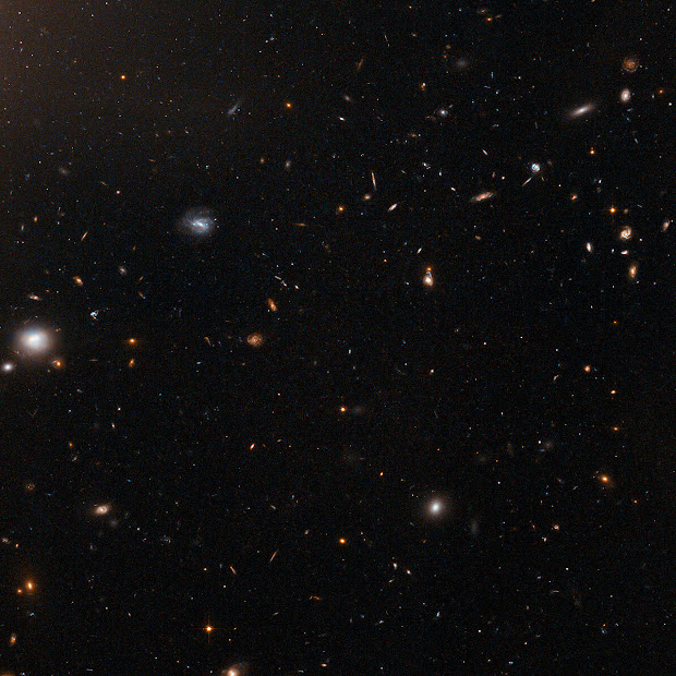 Galaxy Cluster Abell 1185 as imaged by Hubble