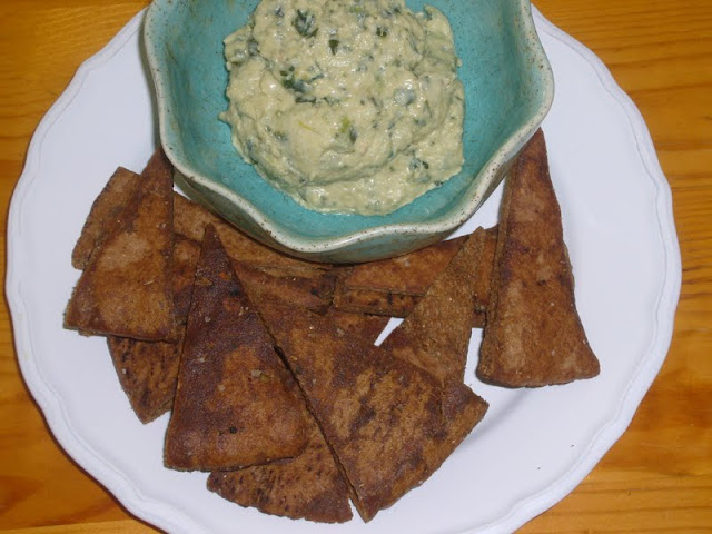 Baked Whole Wheat Garlic Pita Chips