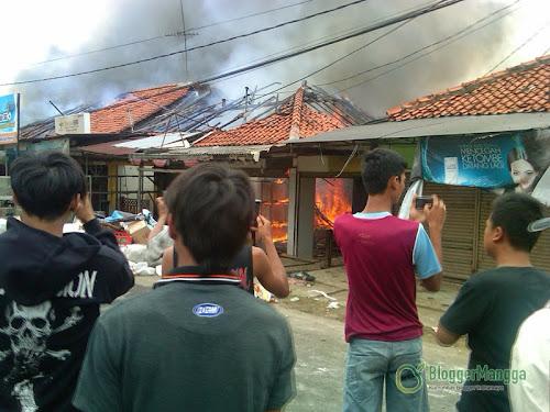foto kebakaran pasar kertasemaya indramayu 7