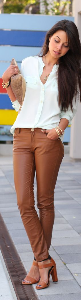 I dont think i'll ever be able to pull off these pants but they look great on her!