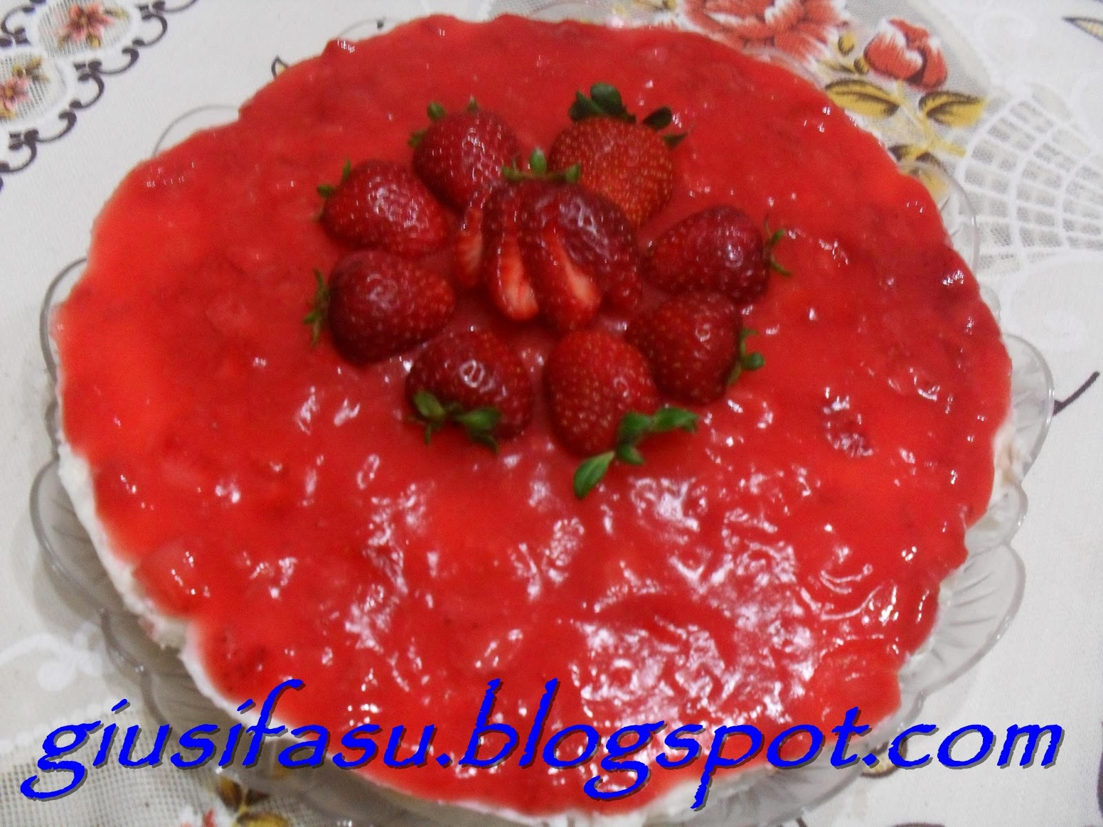 Panna amore e fantasia cheesecake alle fragole for Fragole periodo