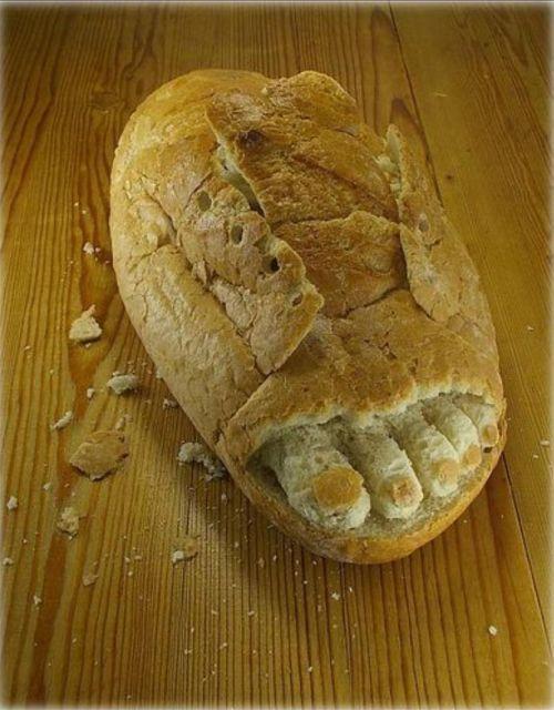 Pão feito de Chinelo