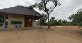 Nhlanguleni is een rustige plek, die ongeveer 3 kilometer van de fraaie Lugmag of Luchtmacht Dam af ligt.