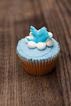 Follow me on Twitter and I'll never ask you to do it again. Click on the cupcake.