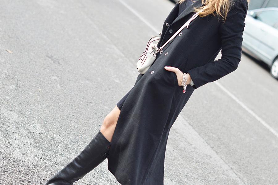 long coat, maxi coat, black coat, h&m coat, zara dress, zara black dress, zara mini dress, zara boots, coccinelle bab, minibag, fashion blogger, italian fashion blogger, elisa taviti, my fantabulous world, fashion blogger italiane, top italian fashion blogger