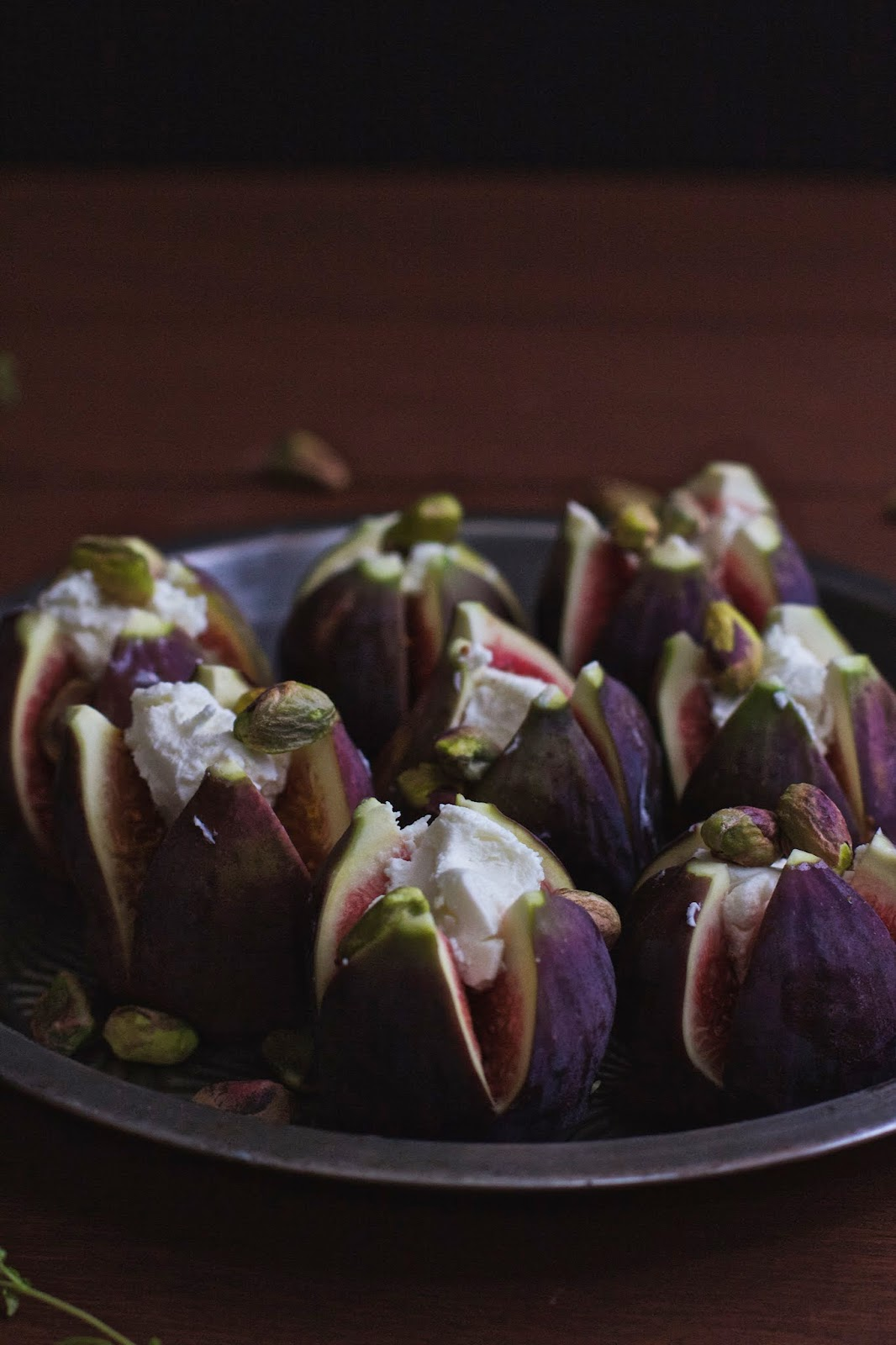Roasted Figs with Honey Goats Cheese