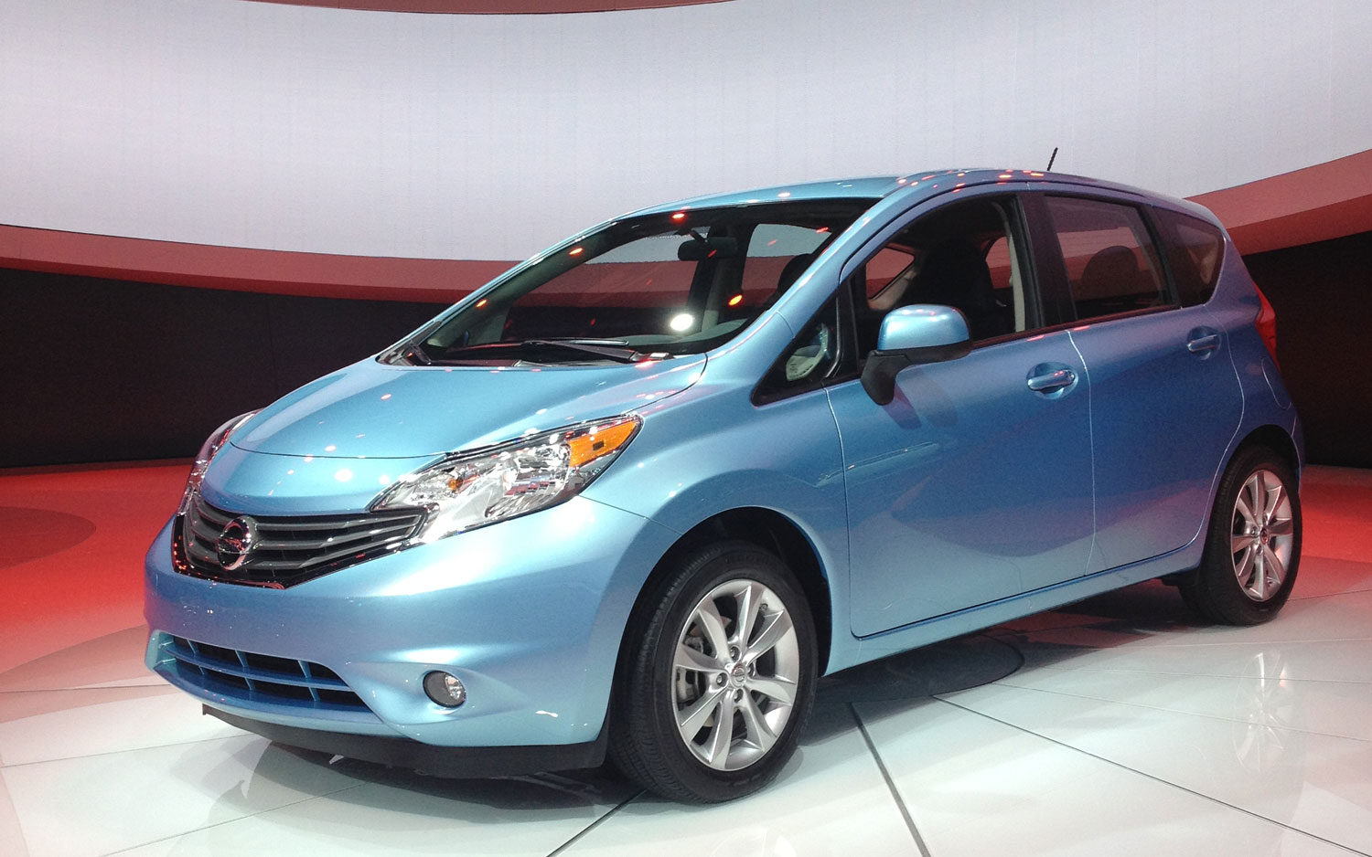 2014 nissan versa note owners manual guide pdf free download manual owners pdf. Black Bedroom Furniture Sets. Home Design Ideas