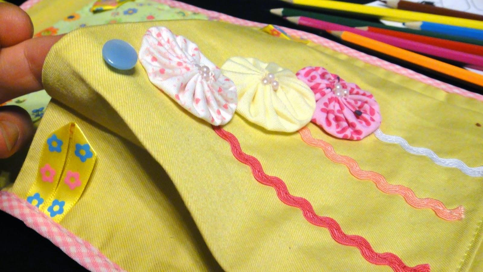 Желтые солнечные кармашки в детский сад, кармашки для девочки: четыре яруса, последний карман под чешки