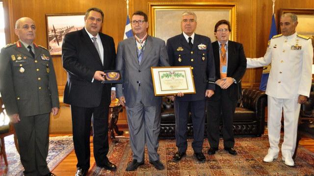 Ο Πάνος Καμμένος τίμησε τον Δημήτρη Πολιτόπουλο για την προσφορά του στη Θράκη