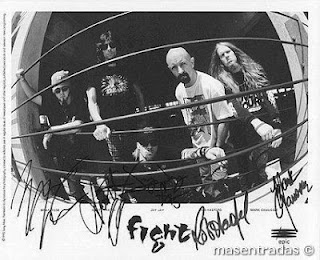 autografos del grupo fight