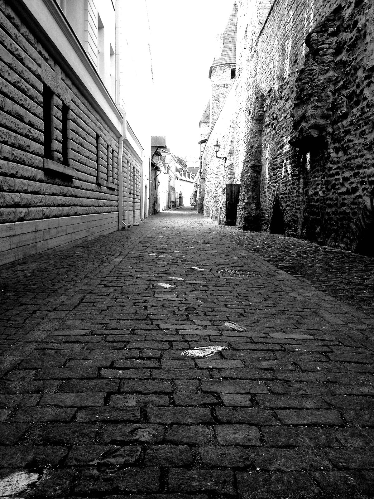 black white memories Tallin London Paris traveling photography www.lexieblush.co.uk