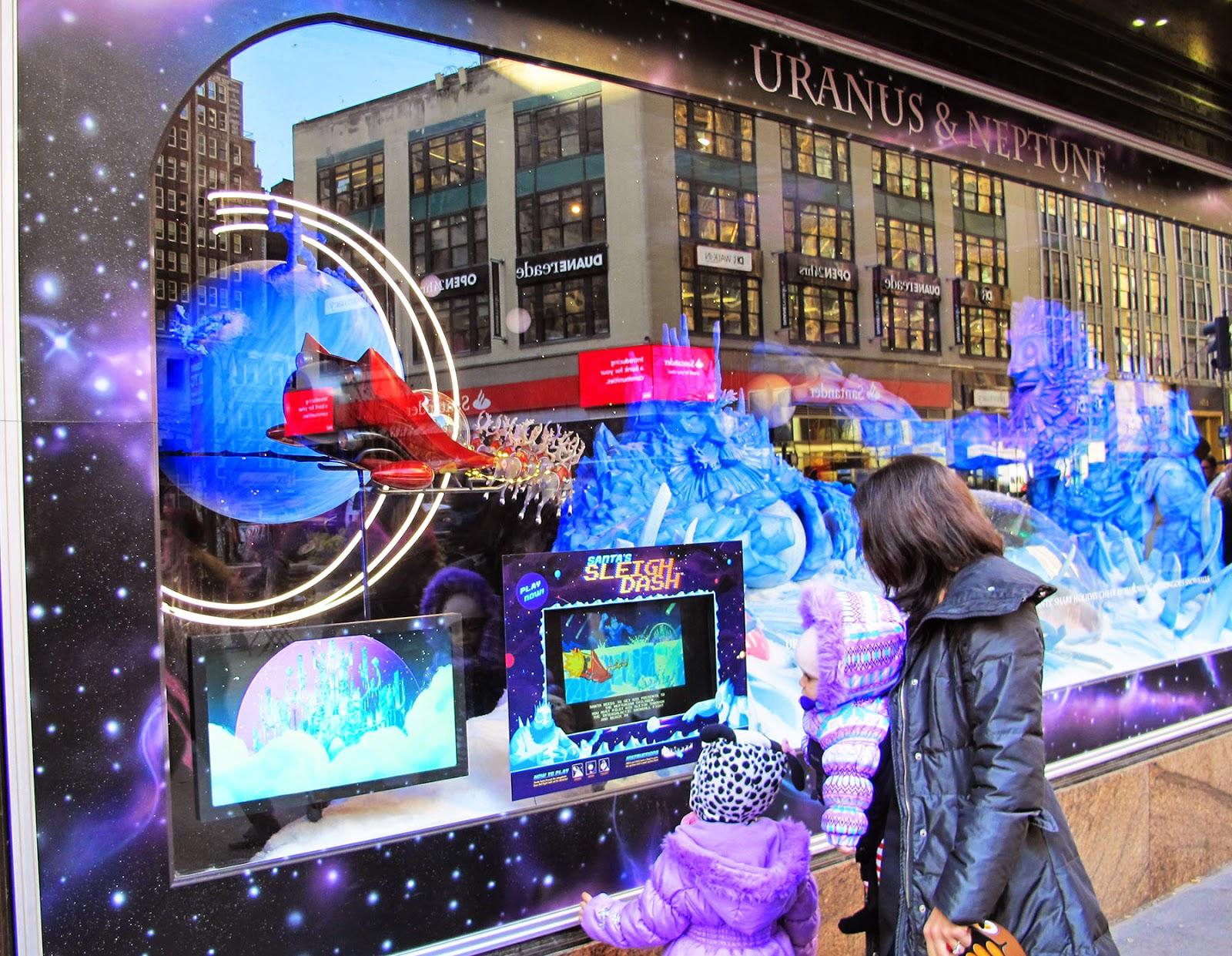 Big Apple Secrets: Santa and Macy's