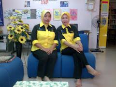 Petugas Perpustakaan Desa PNM Kg Sepinang