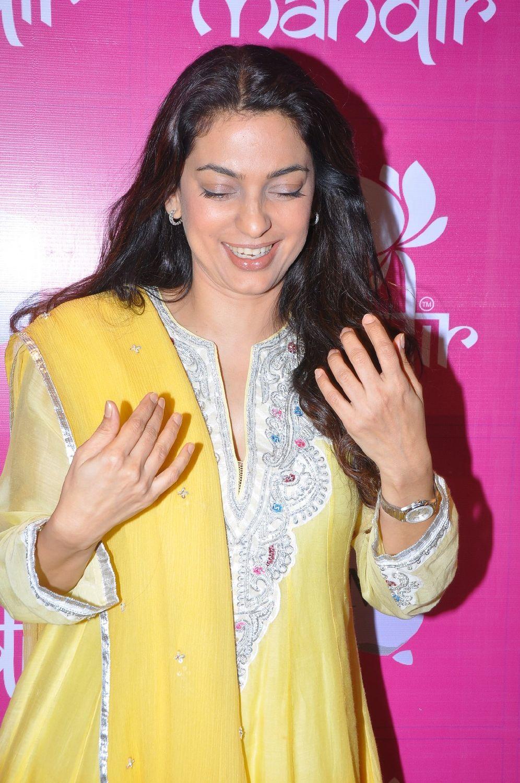 Juhi chawla latest photos at mandir saree shopping mall for Old indian actress photos