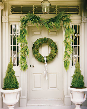 Perhaps My All Time Favorite Holiday Decor Picture Is This One From Martha Stewart The Soft Palette Green And White Color Scheme Beautiful