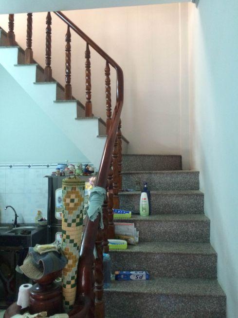 Cầu thang nhà đất bình dương chính chủ