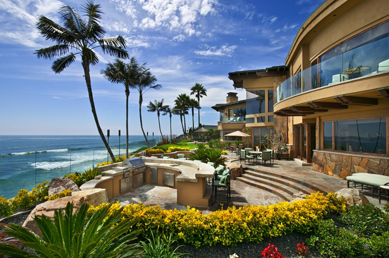 Mansions more 29 million oceanfront estate in california for Luxury coastal homes