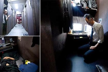 Tak Bisa Bayar Sewa Apartemen, Kakek Ini Tidur Di Warnet