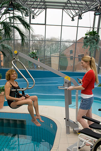 Mobility products for disabled people handimove pool lift - Swimming pool wheelchair lift law ...