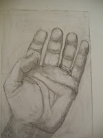 Foto del disegno della mia mano dopo cinque lezioni, i miglioramenti sono evidenti