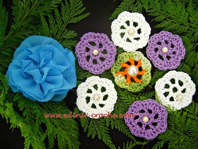 flores em tecido para aplique edinir-croche