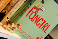 http://dog-eared-book.blogspot.de/2015/07/fangirl-rainbow-rowell.html