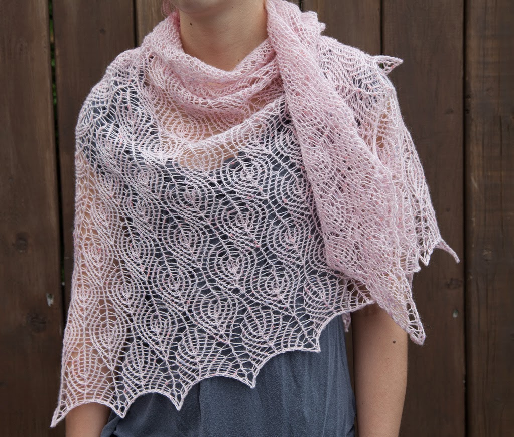 Knitted Flowers Free Patterns : Renee Knits Too: Shetland Lace Triangle Shawl