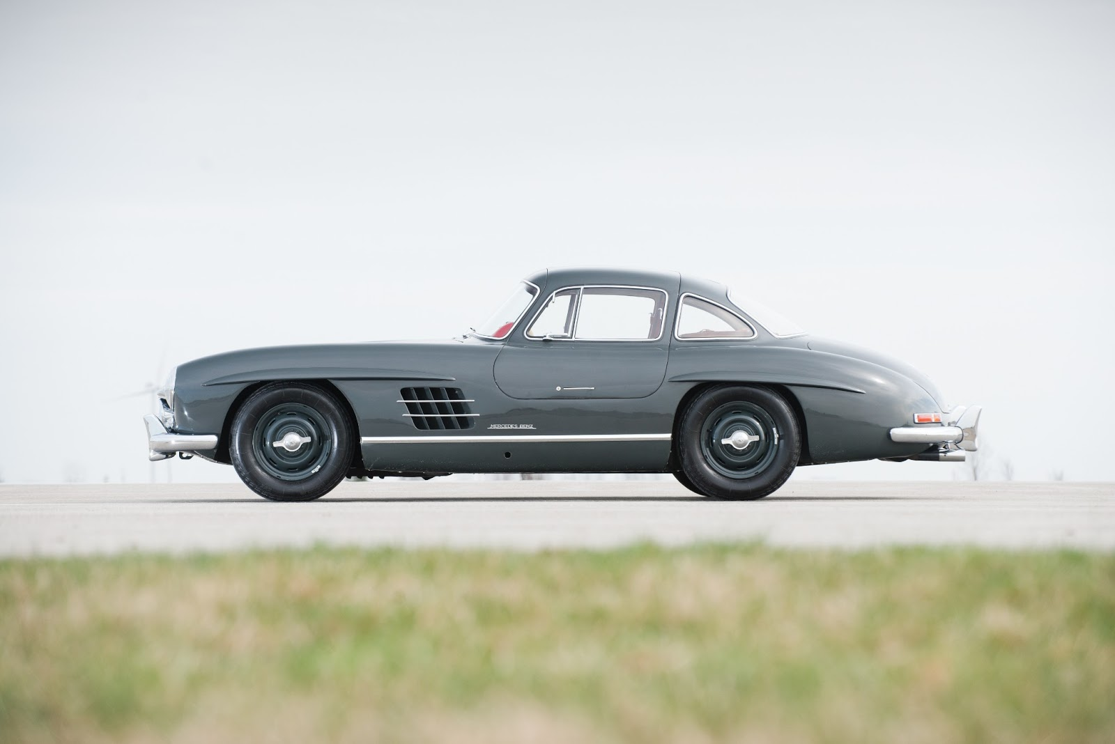 1955 mercedes benz 300sl gullwing for Mercedes benz gullwing 1955