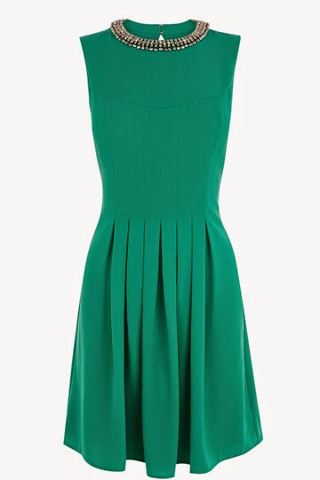 green necklace dress