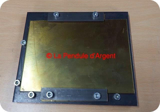 Production d'un mécanisme d'horloge, les platines et le rouage Platine2