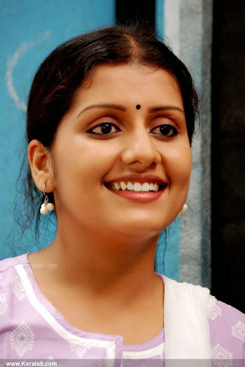 south indian actress sarayu photos - focus reporter