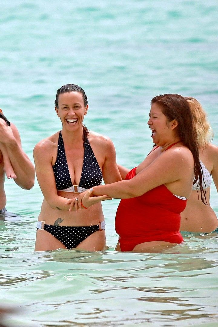 The singer, Alanis Morissette was spotted enjoying a family vacation at Hawaii on Saturday, May 3, 2014.