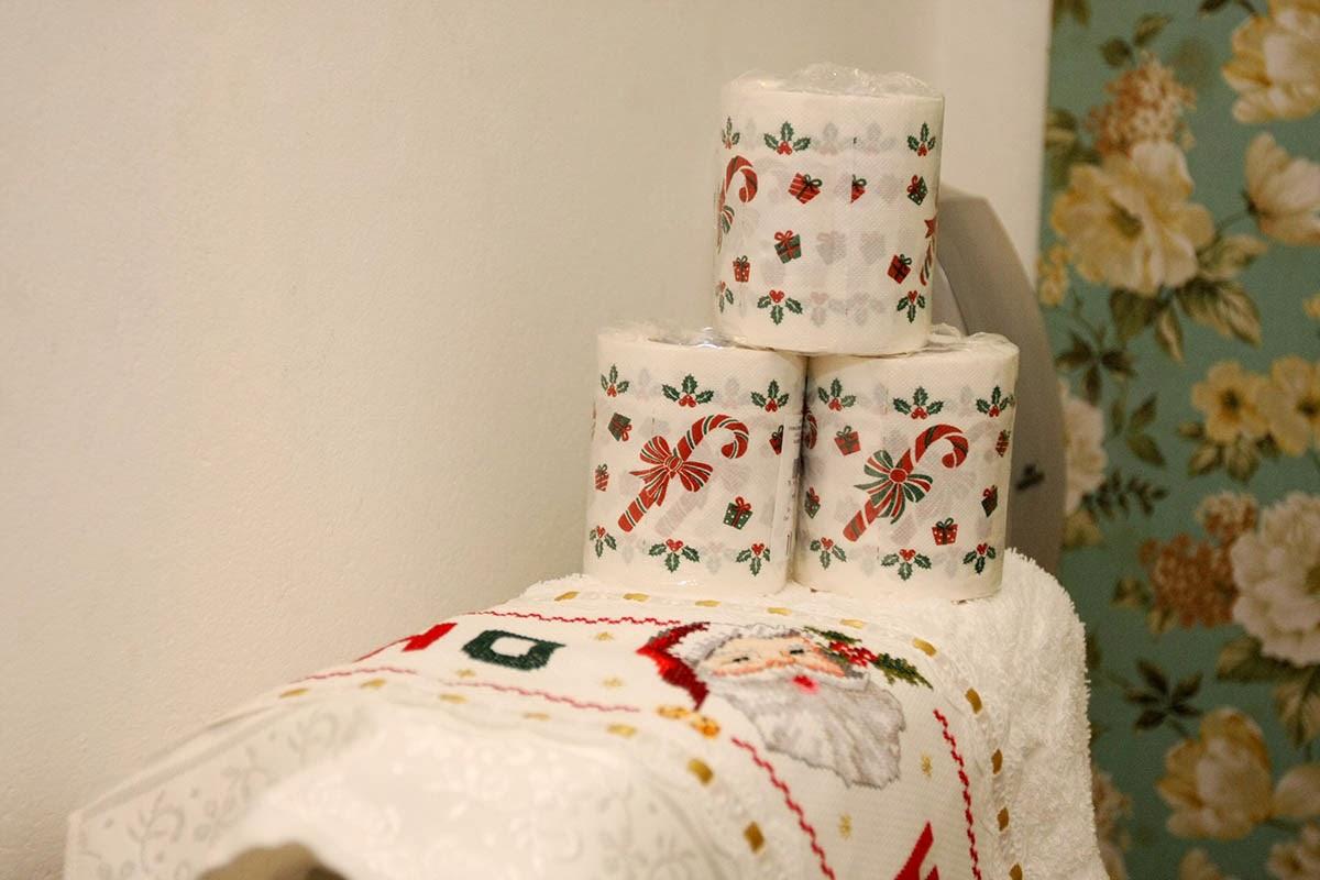 PQNOS DETALHES Um banheiro lindo neste Natal -> Banheiro Decorado Para Natal