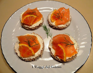 FINGER FOOD... TARTINE SALMONE & ARANCIA