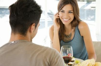 Conversation_on_a_First_Date - الرجال الذين ينجحون في الحب يمتلكون 6 سمات مشتركة....تعرف عليها !!!!