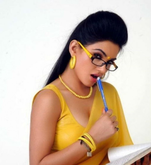 teacher sorry Kavya singh