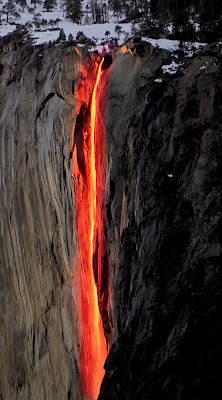 Fenomena Api terjun - Horsetail Falls