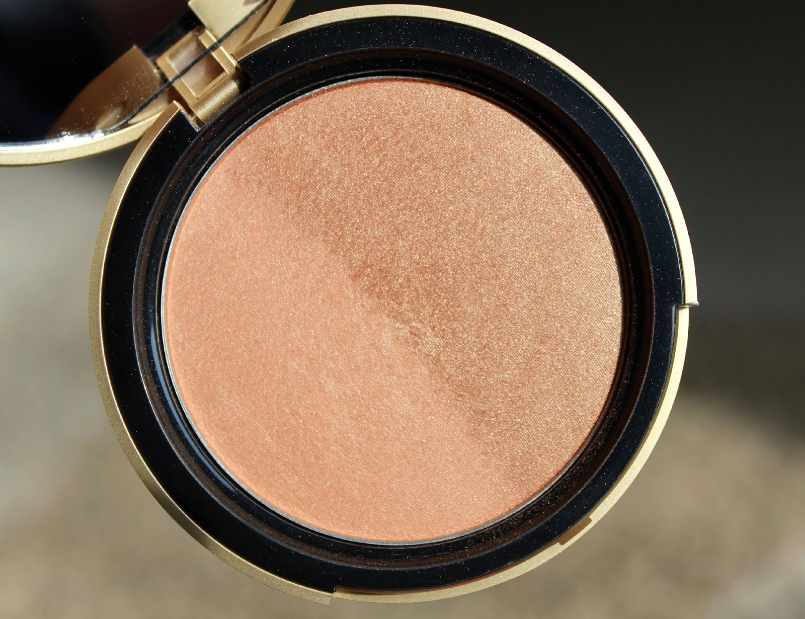 Too Faced Sun Bunny Natural Bronzer Review & Swatches
