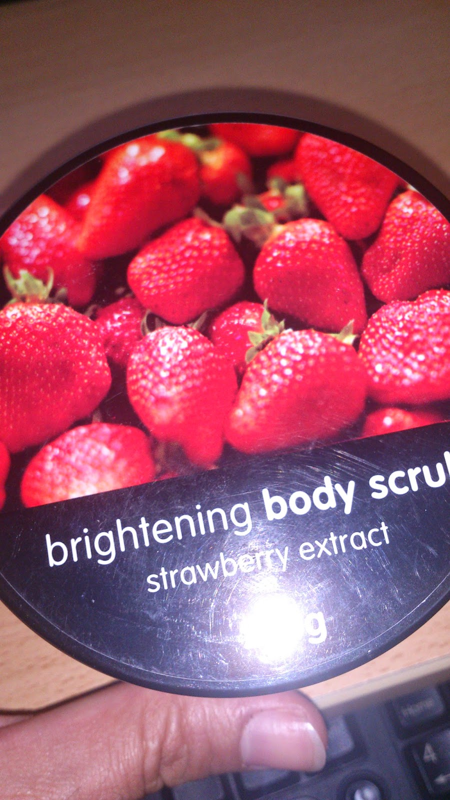 Watsons Brightening Body Scrub - Watsons Çilekli Vücut Peelingi - Watsons Scrub kullananlar - Scrub nasıl kullanılır