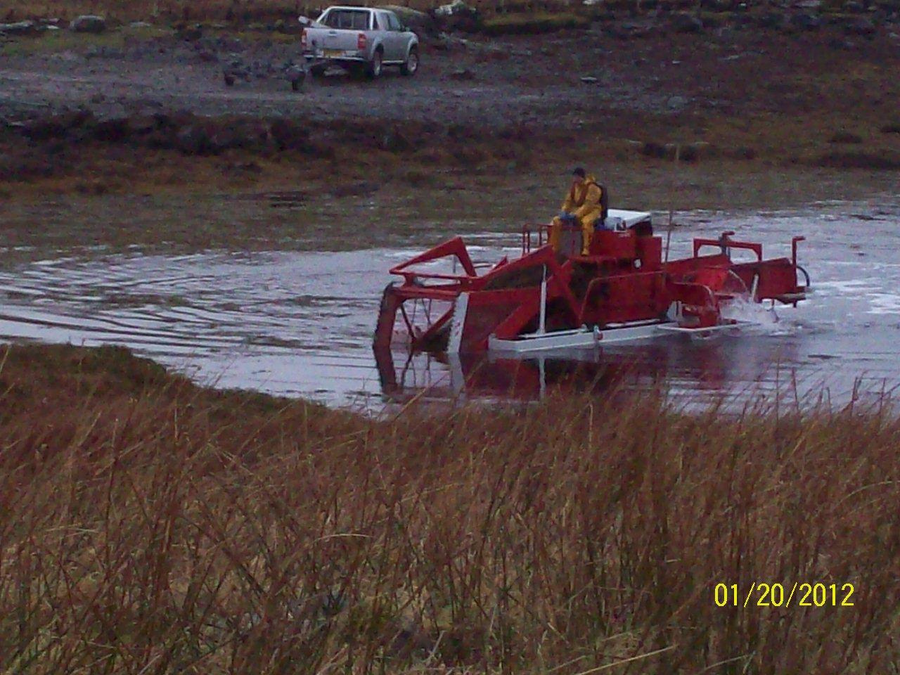 seaweed harvesting machine