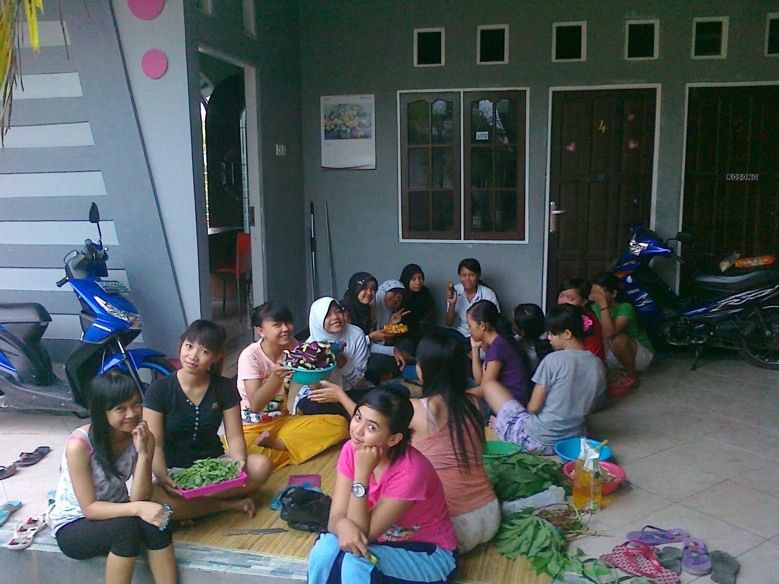 ... makanan yang akan disajikan di perayaan ulang tahun anak-anak KP 165