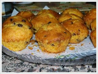 muffin alle carote e mandorle con gocce di cioccolato